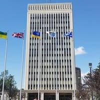 Vue de la façade de la mairie de Regina.