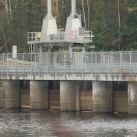 Une barrage d'Hydro Québec.