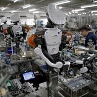 Des robots dans une usine au Japon.