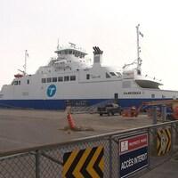 Le Saaremaa 1 a dû regagner le port de Trois-Rivières après un départ avorté vers Matane dimanche.
