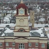 L'hôtel de ville de Saint-Boniface vue de haut.