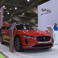 Une voiture Jaguar.
