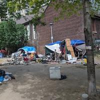 Un camp de fortune installé par des sans-abri à Toronto.
