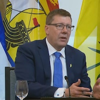 Le premier ministre de la Saskatchewan, Scott Moe, s'adresse aux médias.
