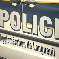 Une voiture du Service de police de l'agglomération de Longueuil.