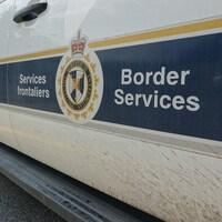 Un véhicule de l'Agence des services frontaliers du Canada
