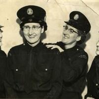 Quatre policières de Calgary dans les années 1950.