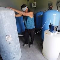 Une usine de traitement en eau potable.