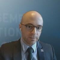 Le député solidaire de Jean-Lesage, Sol Zanetti, participait le 1er mai à une séance parlementaire virtuelle sur la pandémie de COVID-19 avec la ministre de la Santé et des Services sociaux et les autres partis d'opposition.