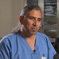 Le chirurgien Stanley Vollant.