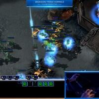 Une capture d'écran d'un match de StarCraft II opposant MaNa à l'algorithme AlphaStar.