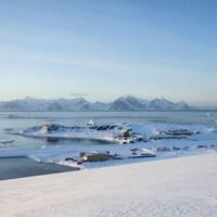 Une station de recherche sur les côtes de la péninsule Antarctique.
