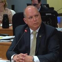 Le député péquiste Stéphane Bergeron devant la commission Chamberland