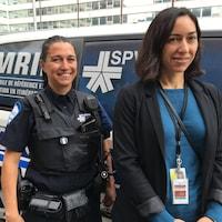 L'agent Stéphanie Gendron et la travailleuse sociale Anita Saraca