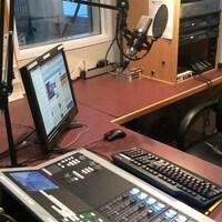 Un studio de radio vide.