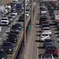 De la congestion routière sur le réseau montréalais. Photo: Radio-Canada / Ivanoh Demers