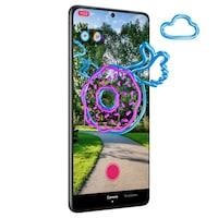 Un téléphone montre un beigne volant superposé à l'image d'un parc.