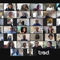 Capture d'écran d'une rencontre virtuelle où apparaissent plusieurs personnes à l'écran.