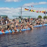 Les nageurs au départ du 2 km.