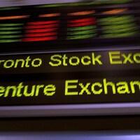 La bande défilante de la Bourse de Toronto.