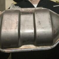 Un convertisseur catalytique.