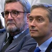 Valérie Laplante, Régis Labeaume et François-Philippe Champagne assistent à une conférence de presse.