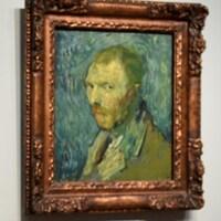 Louis van Tilborgh pose à la gauche du tableau