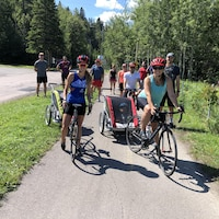 Un groupe de cyclistes