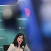La Dre Vera Etches, médecin-chef de Santé publique Ottawa, fait le point sur le premier cas confirmé de COVID-19 à Ottawa le 11 mars 2020.
