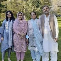 Les quatre victimes mortes dans l'attaque posaient il y a quelque temps pour une photo de famille dans un parc.