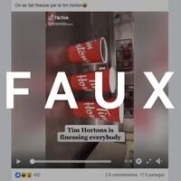 Une capture d'écran d'une vidéo où on voit trois tasses de tailles différentes. Le mot FAUX apparaît sur l'image.
