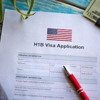 Photo illustrant la demande de visa de travail américain H1-B