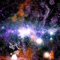 Image montrant des filaments de gaz surchauffés et des champs magnétiques au centre de la Voie lactée.