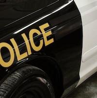 L'aile avant d'une voiture de la Police provinciale de l'Ontario.