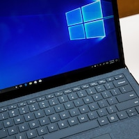 Un ordinateur portable avec Windows 10.