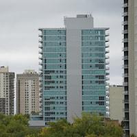 Vue sur des tours d'habitation de Winnipeg.