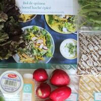 Des ingrédients pour une recette de bol de quinoa au bœuf haché épicé de Goodfood.