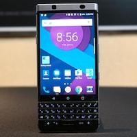 Un téléphone BlackBerry dévoilé au CES 2017.