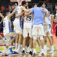 Les Argentins sautent de joie à la suite de leur victoire