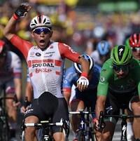 Il crie après avoir remporté sa deuxième victoire d'étape au Tour de France de 2019.