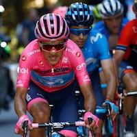 L'Équatorien Richard Carapaz (à l'avant) en action à l'avant-dernière étape du Giro