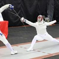 Gabriella Page en duel contre Malina Vongsavady lors du Grand prix de sabre de Montréal