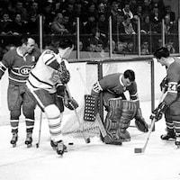 Une photo d'un match d'époque en noir et blanc