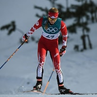 L'athlète porte-couleur du Canada accélère sur les pistes.