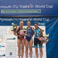 Joanna Brown (gauche), Katie Zaferes (centre) et Claire Michel (droite)