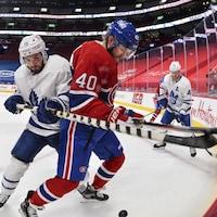 Deux joueurs de hockey