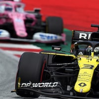 Renault devant Racing Point