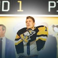 Samuel Poulin enfile le chandail des Penguins de Pittsburgh après avoir été repêché par l'équipe de la LNH.