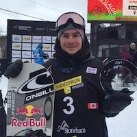 Sébastien Toutant gagnant de l'épreuve de slopestyle de la Coupe du monde de surf des neiges de Québec
