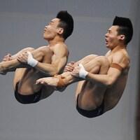 Aisen Chen et Hao Yang